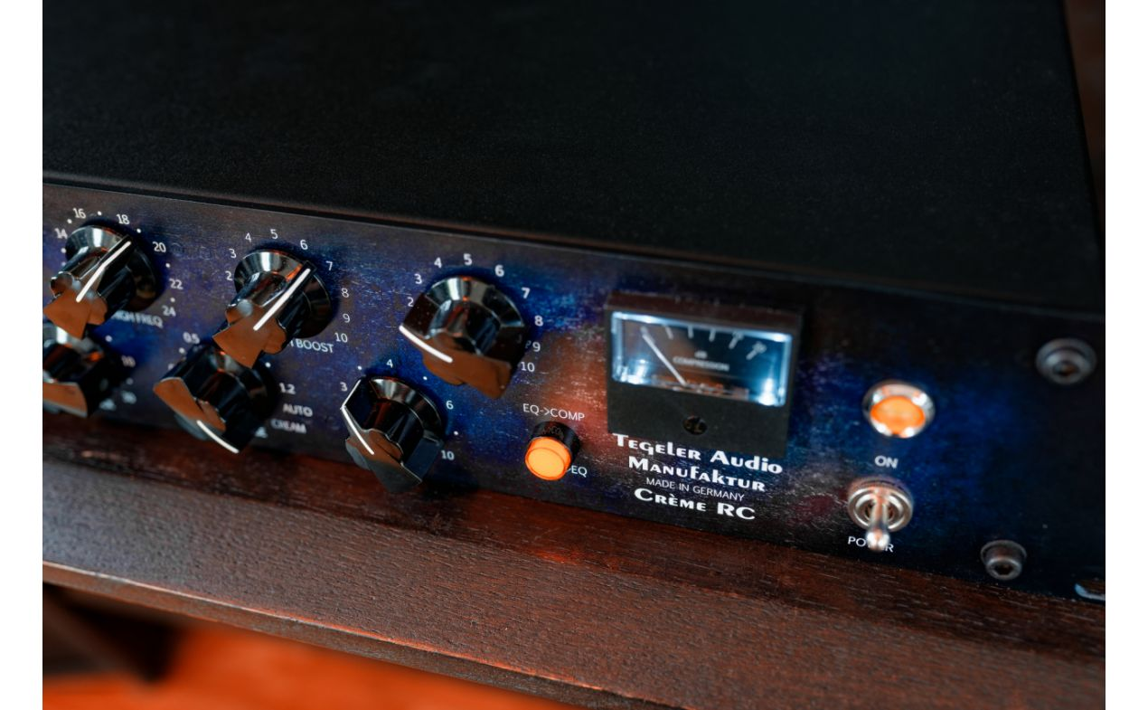 Tegeler Audio -Crème RC - Remote Controllable Bus Compressor and Mastering Equalizer